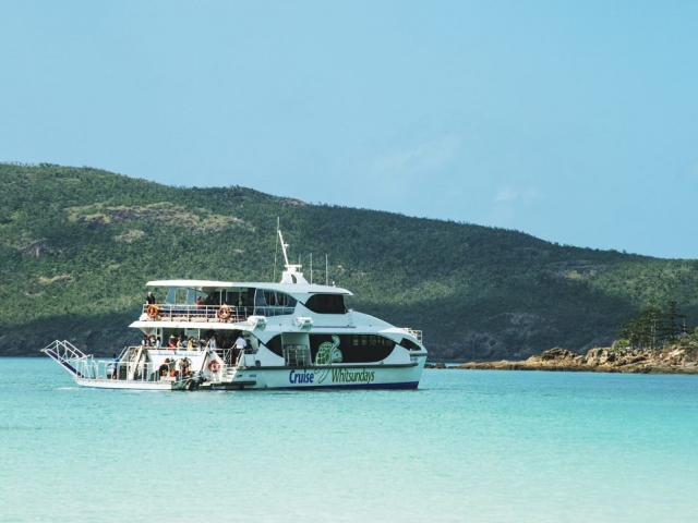 Cruise Whitsundays operates a range of comfortable cruising vessels to the Great Barrier Reef. All of our vessels are high speed catamarans with spacious air conditioned lounges, large outer viewing decks, bars serving refreshments and comfortable seating.